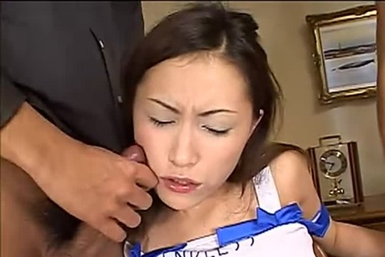 Хуи тех экстрасексов отлично себя чувствуют во рту азиатки