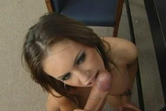 Немного секса на работе