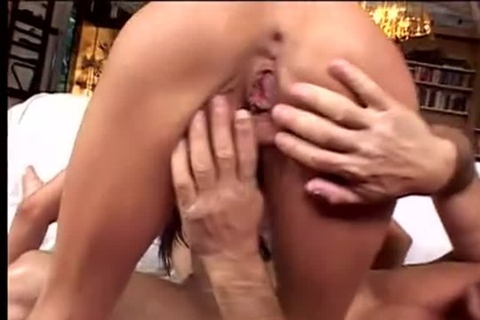 Лилия на себе ощутила все прелести хардкорного секса