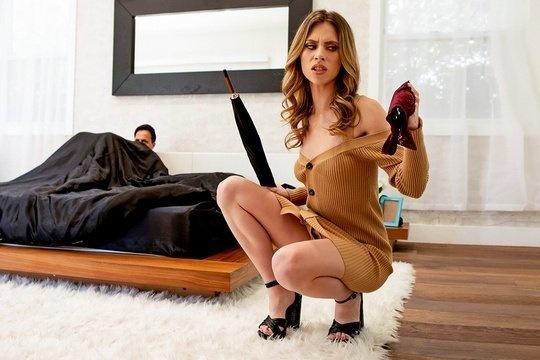 Красивая леди бурно кончила во время секса со страстным мужчиной