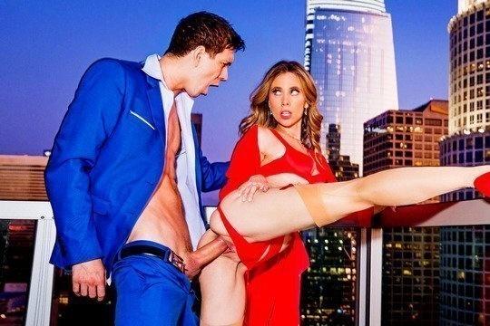 Anya Olsen занимается красивым сексом с богатым мужем и получает сперму на пизду