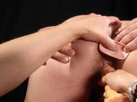 Вонзила толстый страпон в попку рабыни