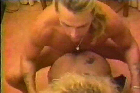 Блонда любит его хер