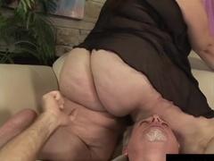 Сношение седого самца с толстой сукой