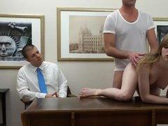 Демонстративное наказание секретарши