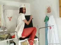 Медсестричка раздвинет ножки, да ещё как